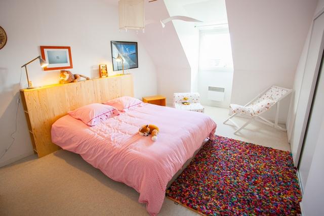 Cette chambre peut être aménagée avec deux lits simples, les draps sont fournis