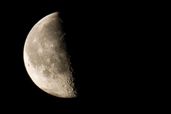 File:HolgerVaga - Waning Moon IV (by).jpg