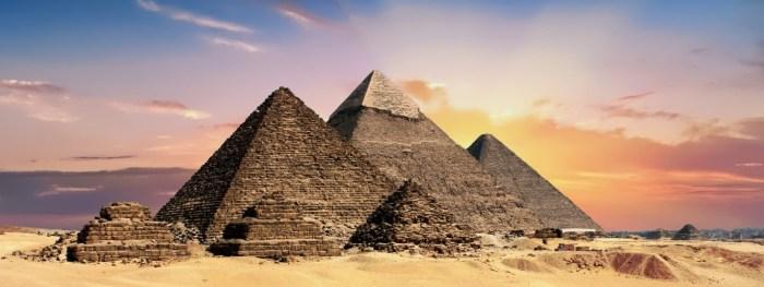 C:\Users\Zubair\Downloads\pyramids-2371501_1920.jpg
