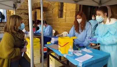 Delegada Salud vacunación Covid-19 Cádiz feb 21