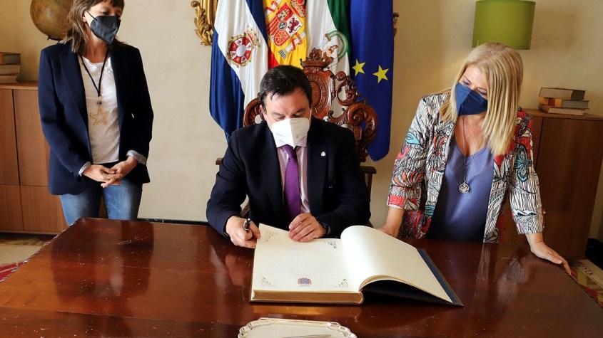 Mamen Sánchez alcaldesa de Jerez 14 millones Administración Pública