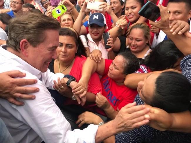 """""""Nito"""" Cortizo oficializa su precandidatura presidencial"""