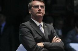 Plenário do Senado durante sessão deliberativa ordinária.De pé, deputador Jair Bolsonaro (PP-RJ) assiste à sessão.Foto: Beto Barata/Agência Senado