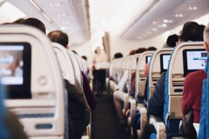 Los cinco tipos de pasajeros que convertirán tu vuelo en una pesadilla