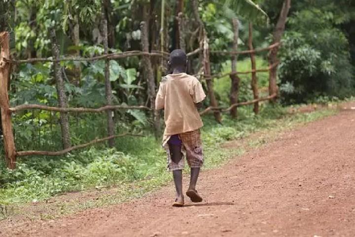 Más de 400 mil niños viven en la pobreza en Panamá