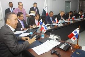 Comisión de presupuesto aprueba el traslado de más de 200 millones de dólares al Gobierno