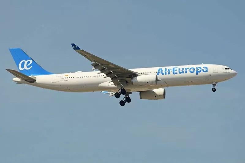 Varela recibe juan José Hidalgo presidente de Air Europa