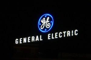 La historia se repite. ¿Correrá General Electric la misma suerte de Enron?