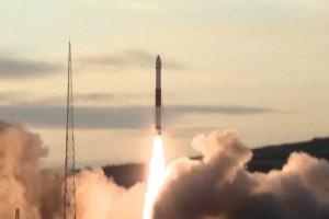 China lanza seis satélites al espacio a bordo de un solo cohete