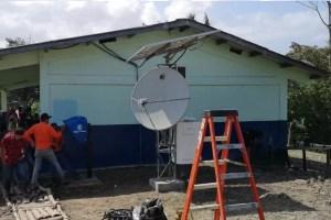Instalan primer teléfono público y señal de Internet en la comunidad de Alto Terrón