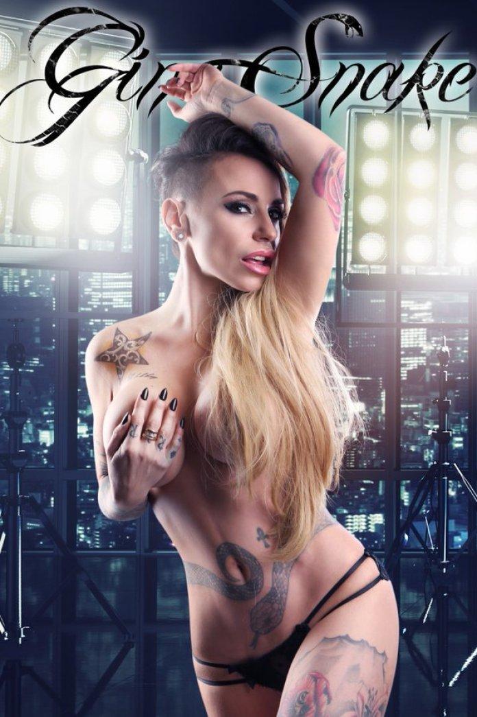 Gina Snake 01