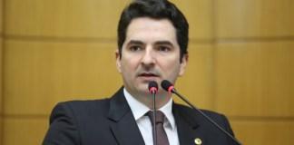 O deputado Gustinho Ribeiro