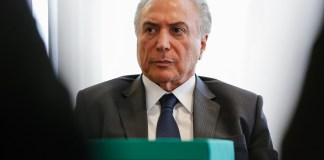 O presidente Michel Temer em encontro com parlamentares no Planalto, em 9 de outubro (Foto: Marcos Corrêa/PR)