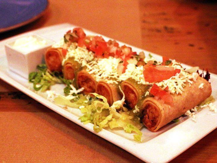 Tacos-Dorados-Chihuahua-Tacos-y-Tragos-Restaurante-Mexicano