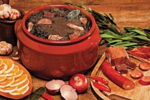 Feijoada, moqueca bahiana, gastronomia brasil, cocina de brasil, food brasil, platos tipicos de brasil