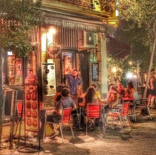 terrazas madrid, terrazas, cenar en madrid, restaurantes con terraza madrid, terrazas con encanto, las mejores terrazas de madrid, taberna sancho panza, bares sol