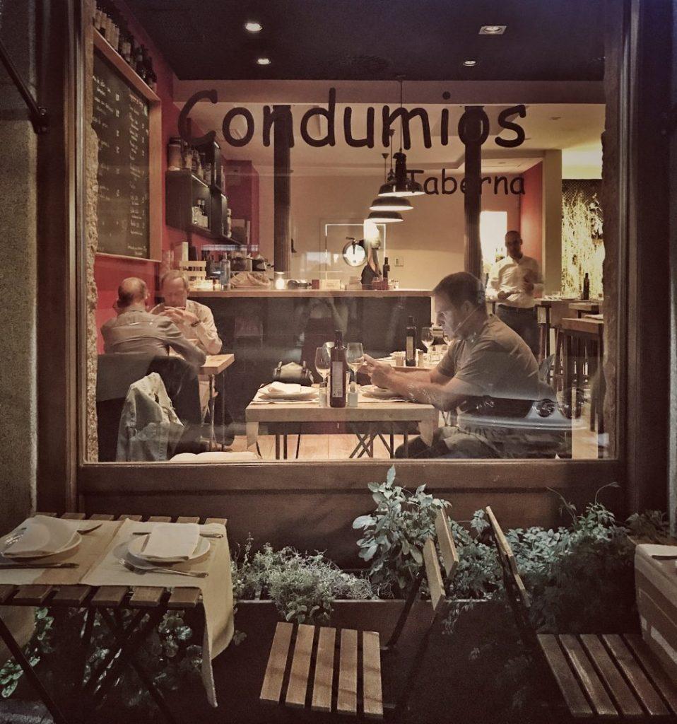 Taberna Condumios, fachada. Restaurantes en Madrid