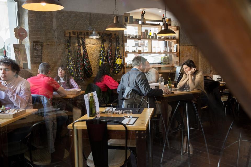 sagasta 28 salon, menu para solteros, restaurantes románticos