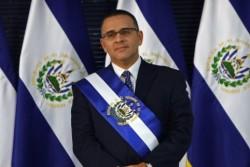 Mauricio-Funes-11