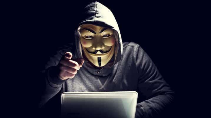 indagati hackers anonymous