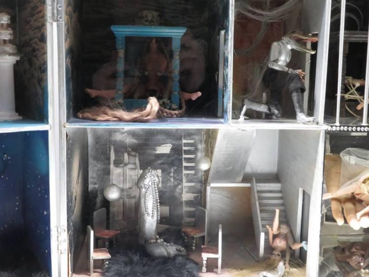 maison de poupée - women house - Penny Slinger