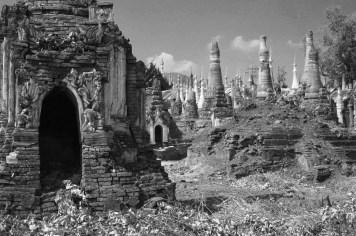Graveyards/Churchyards