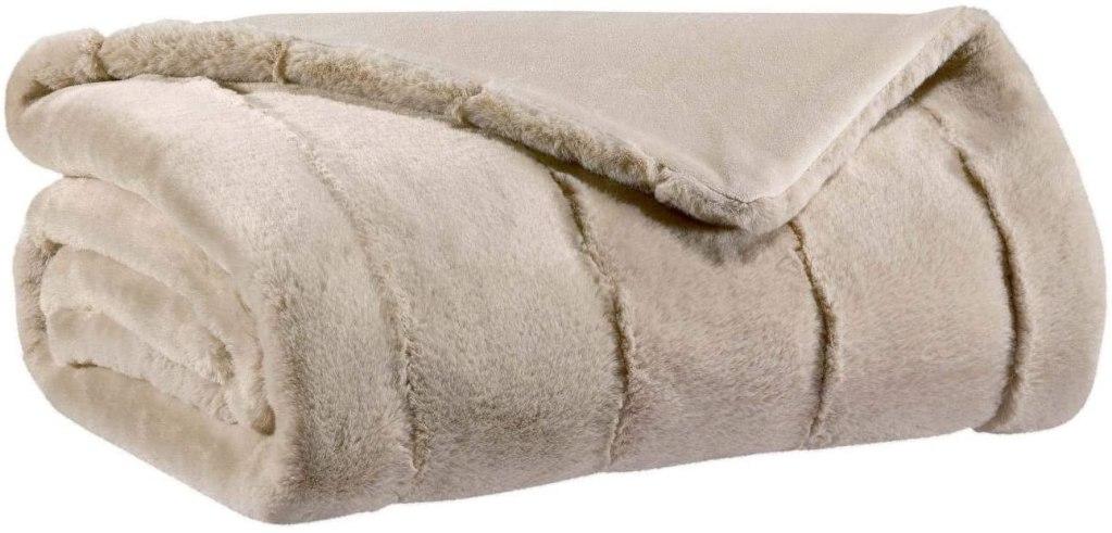 Bien choisir son plaid canapé grande taille