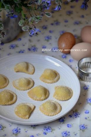 ravioli di borragine al burro, mentuccia e pinoli (22)