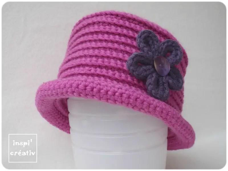 un chapeau d'hiver pour enfant