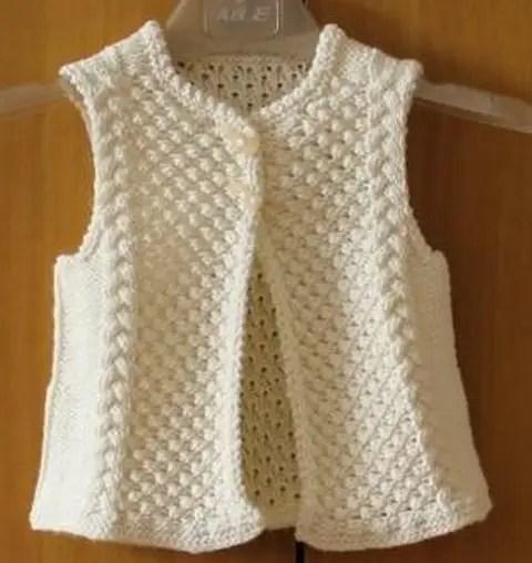 au tricot un gilet sans manche pour enfant la grenouille tricote. Black Bedroom Furniture Sets. Home Design Ideas