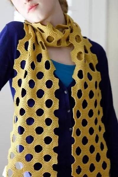 Au tricot une écharpe pour les débutantes mais façon pro