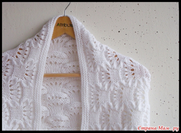 Au tricot un snood avec un joli point