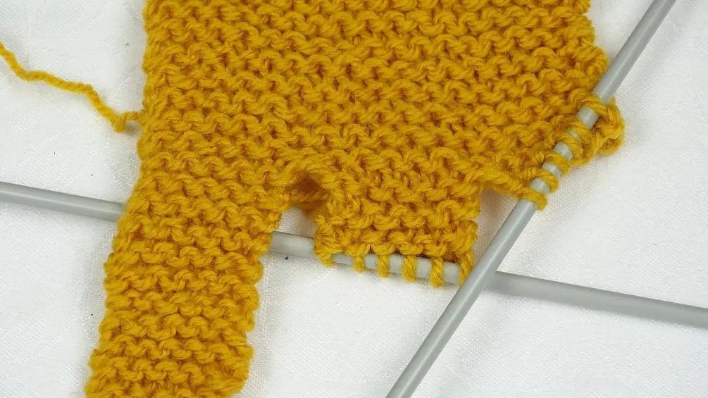 un turban tressé au tricot facile