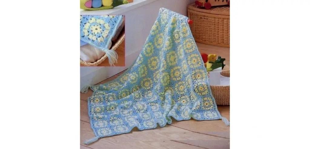 Une couverture bébé en granny