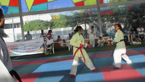 Competencia de Taekwondo, en el marco de la inauguración de los juegos intercolegiados.