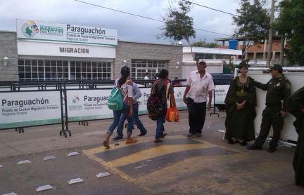 Muchos colombianos y venezolanos pasaron por Paraguachón.