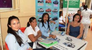 Los funcionarios también tuvieron la oportunidad de conocer los diferentes planes de los concesionarios que ofertan vehículo en la ciudad.