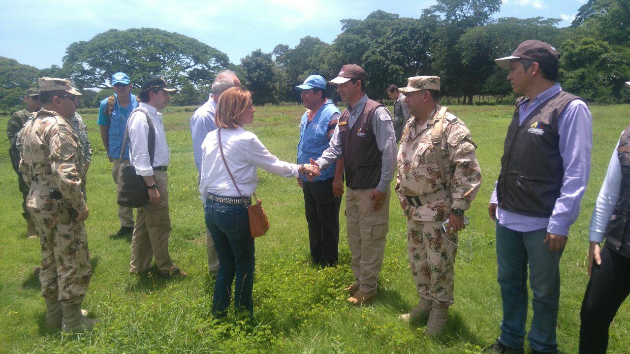 Cospedal ve en observadores en Colombia modelo de política exterior español