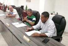 Aspecto de la reunión que se realizó en Fonseca, con los delegados del paro, quienes esperan que el gobierno nacional mejore las vías de La Guajira, las cuales se encuentran en muy mal estado.