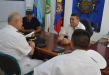 Aspecto de la visita que realizó el capitán de Navío, Jaime Iván Gálvez Moreno, director de Incorporación de la Armada, al alcalde de Riohacha, Juan Carlos Suaza Movil.
