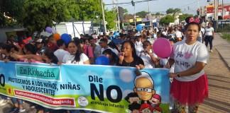 En Riohacha marcharon por las principales calles de la ciudad con pancartas y pasa calles.