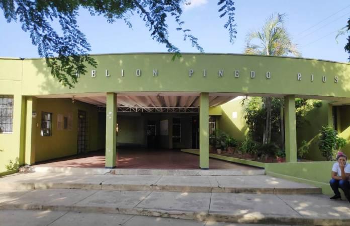 Fachada del colegio, Helion Pinedo Ríos
