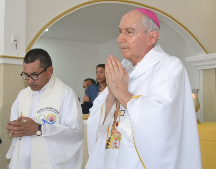 Héctor Salah Zuleta, obispo de Riohacha.
