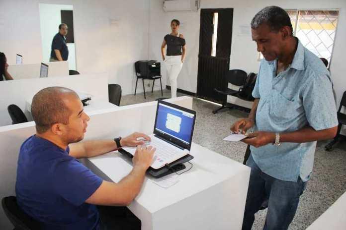 Inició registro de vehículos con placas venezolanas.