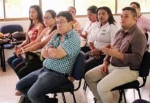 El alcalde Juan Carlos Suaza y algunos de sus más inmediatos colaboradores, escucharon a los funcionarios del programa Familias en Acción, mientras decían que Riohacha se encontraba en el 99 por ciento de cumplimiento de sus actividades.