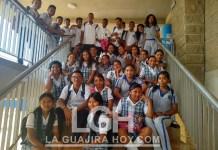 Estudiantes del Denzil Escolar.