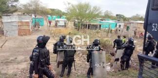 Con miembros de la Policía y el Esmad se han desalojado a los invasores.