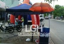 Los habitantes se quejan porque la zona peatonal está tomada por comerciantes y conductores.