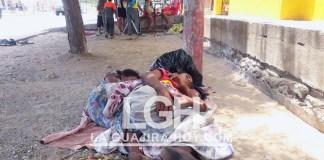 Muchos son los venezolanos, los que duermen dentro del colegio a plena luz del día.