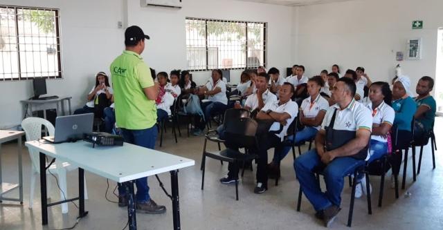 Estudiantes del Centro Multisectorial del Sena en la Villa de San Agustín, Fonseca, se capacitaron en prevención, manejo, control y erradicación de enfermedades.